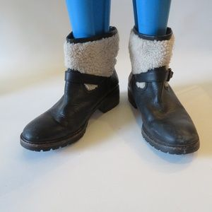 COACH GABRIELLA SHEARLING COLLAR ANKLE BOOTS 9.5 *